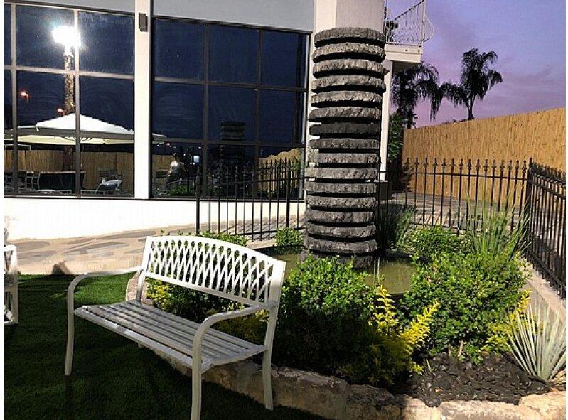ספסל ישיבה זוגי ממתכת דגם ליאור לבן